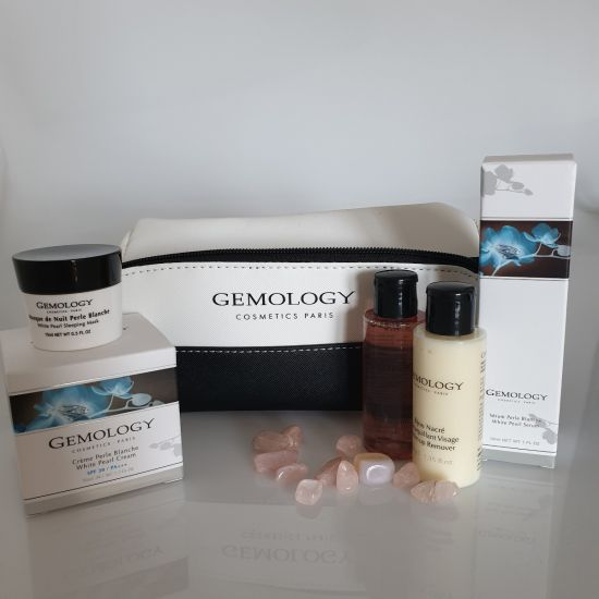 Giftset Perle Blanche incl. luxe toilettas - Gemology